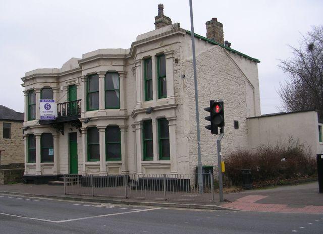 Disused Pub - Bradford Road, Batley Carr