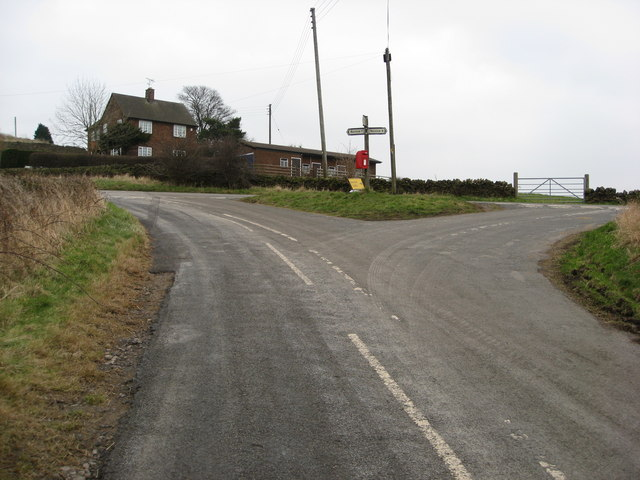 Approaching Junction near Bolehill