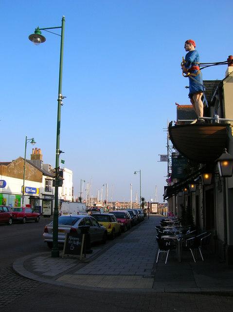 Crown & Anchor, High Street