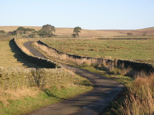 Minor road near Stone Stile (2)