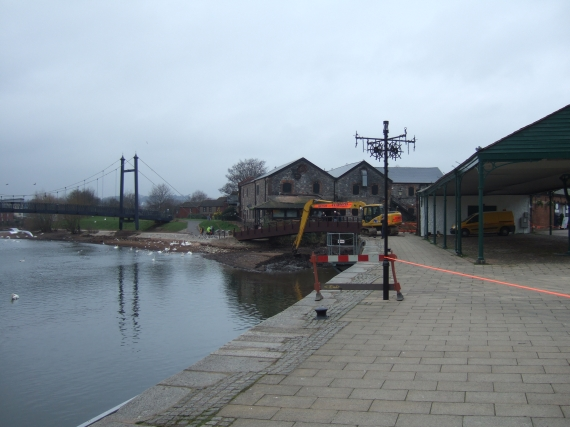 River Exe and quayside, low flow