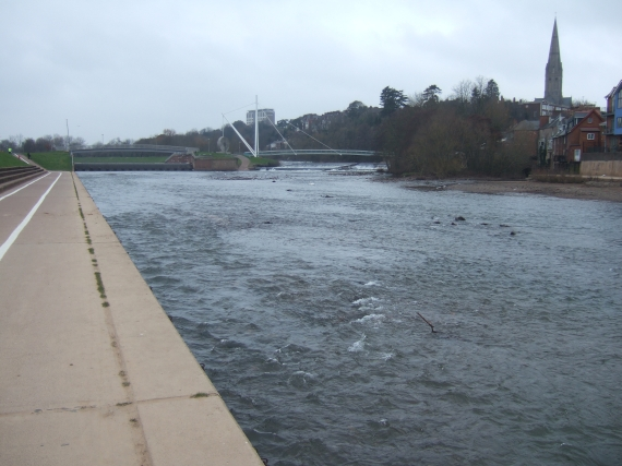 Millers Bridge, river Exe in reduced flow