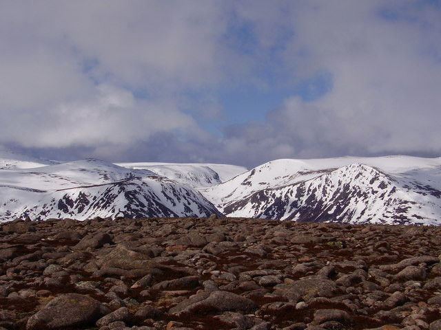 Stob Coire Etchachan and Coire Etchachan