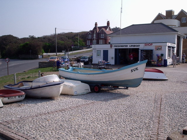 Freshwater Bay - Independent Lifeboat Shop