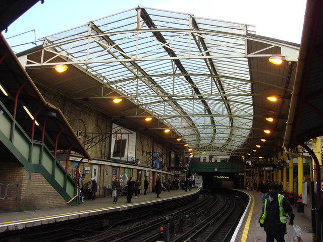 London Underground platforms, Farringdon station