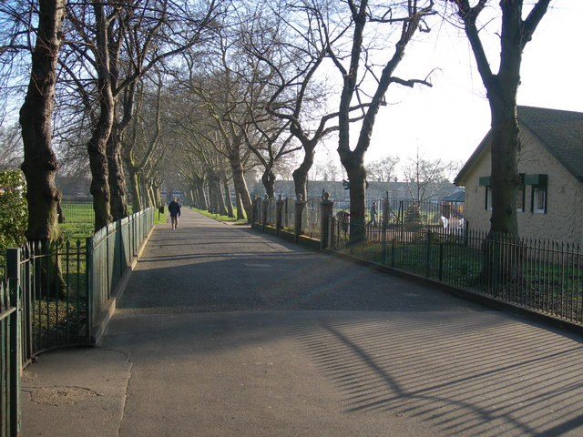 Path Through Central Park, East Ham