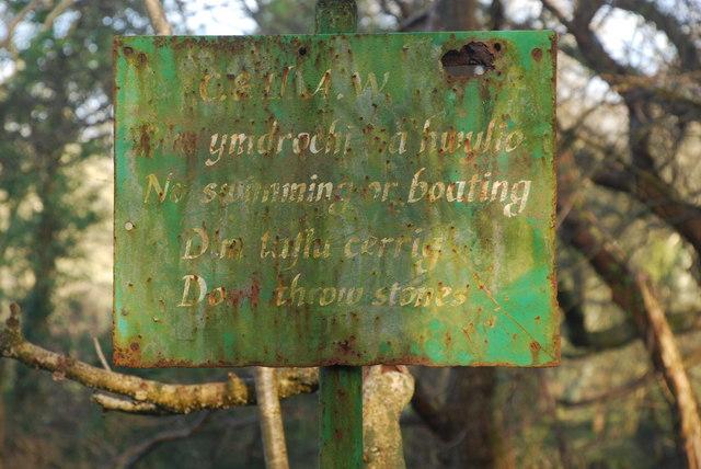 Hen Arwydd - Old Sign