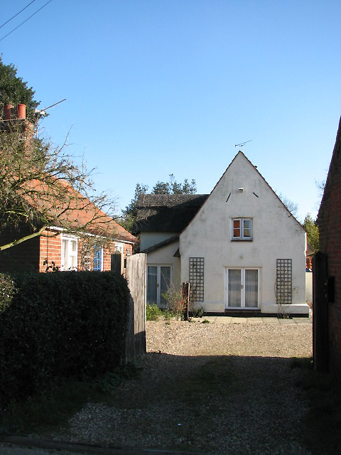 House in Threehammer Common