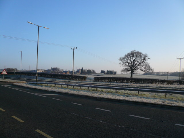 Looking across A61 at the bottom of Alfreton Hill