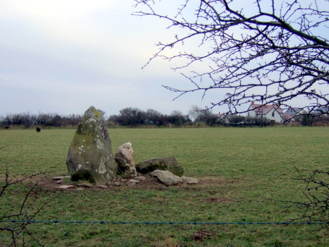 Standing stone with quartz