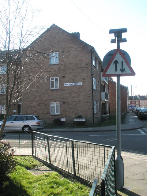 Knolly's House, Forton Road