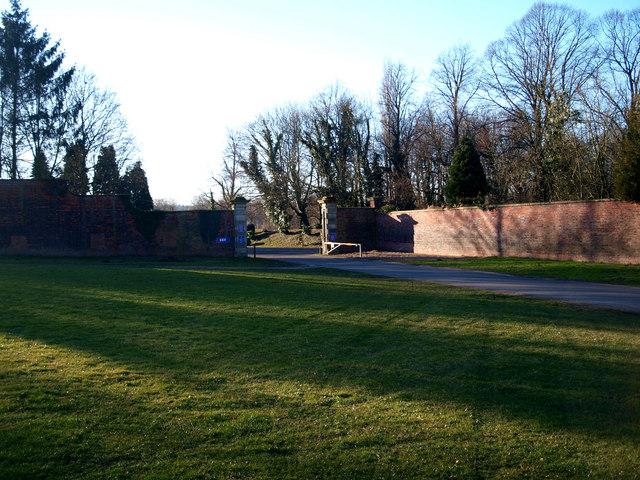 Dukeries Garden Centre entrance