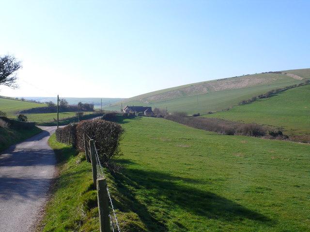 Road between East and West Chaldon