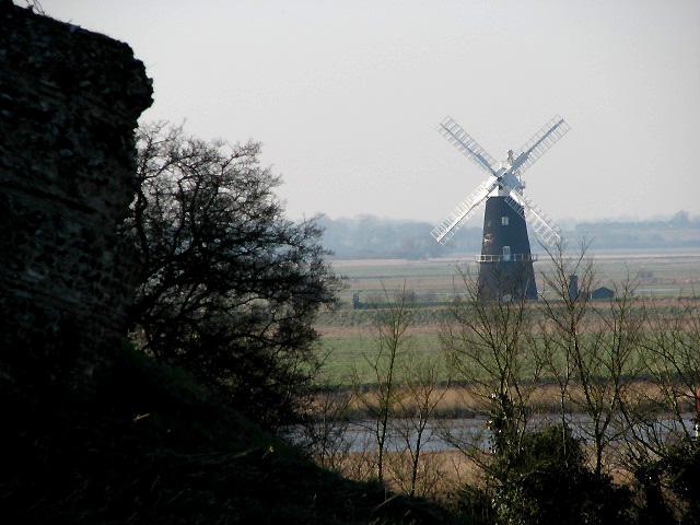 View across the River Waveney