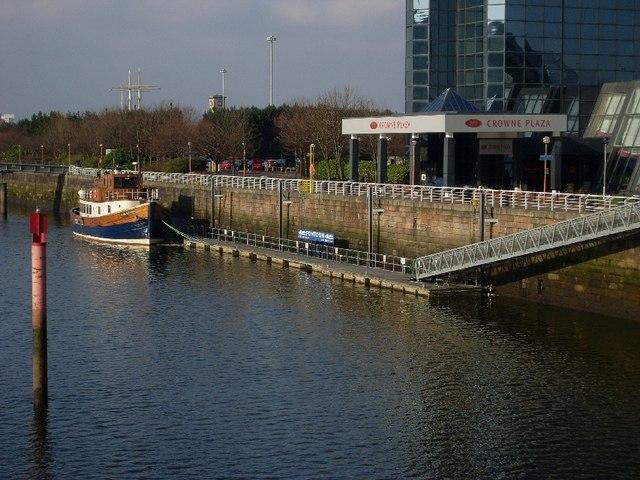 Crowne Plaza Pontoon, River Clyde