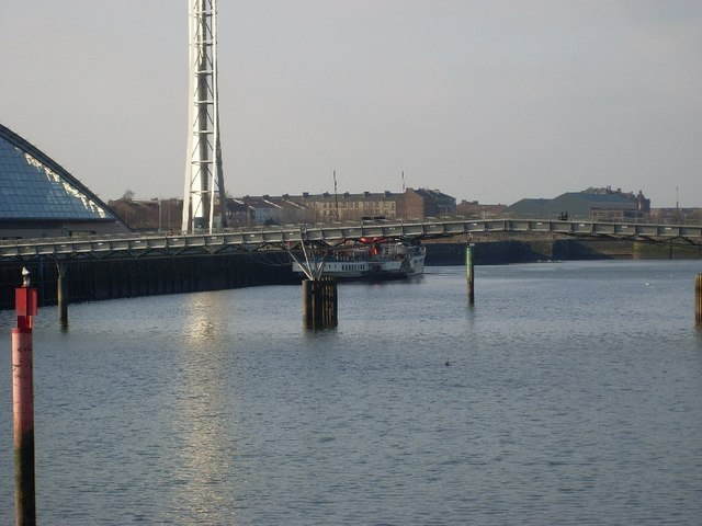 Looking to the PS Waverley at its terminal from Bells Bridge