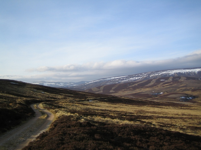 Dropping down into Glen Gairn on the north side of An Creagan