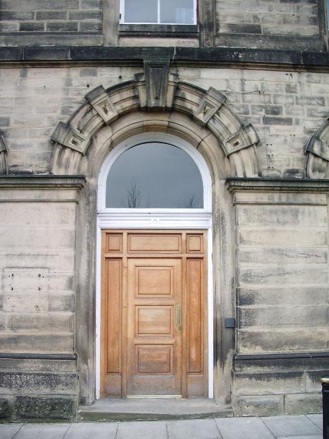 Smith and Nephew, Doorway