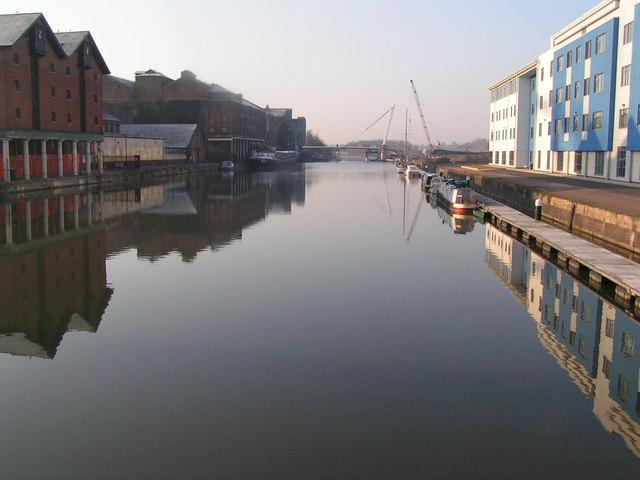 Leaving Gloucester dock from Llanthoney bridge