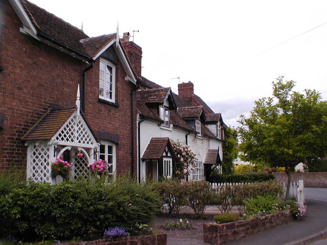 Cottages in Beckbury
