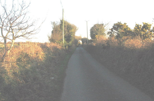 Minor road  from Llwyndyrys near to the junction with the A499
