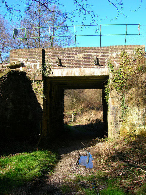 Railway Bridge near High Rocks Inn