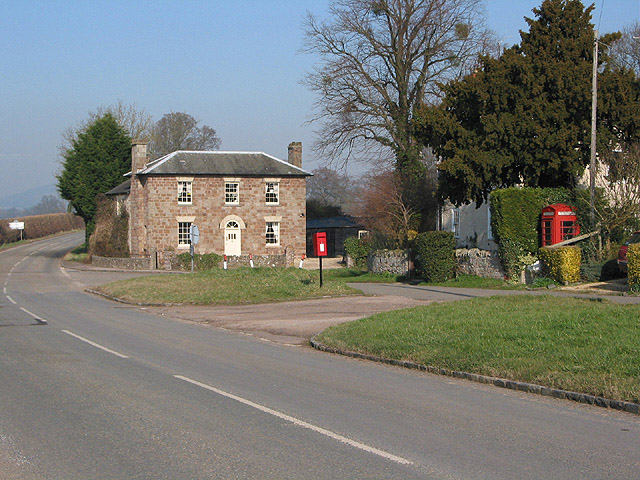 Telephone box and postbox at Greenway Crossroads