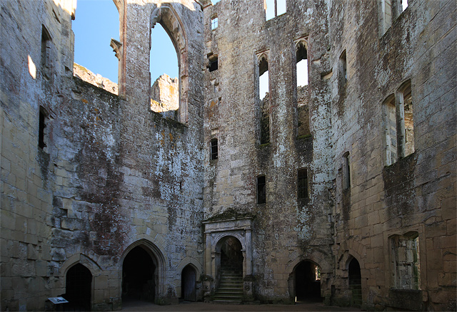 Old Wardour Castle ruins - the Courtyard (2)