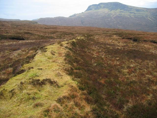 Turf wall on Beinn an Lochain