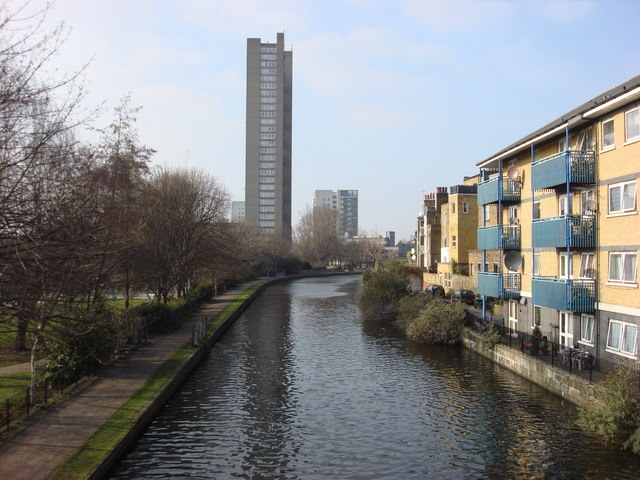 Grand Union Canal from Great Western Rd