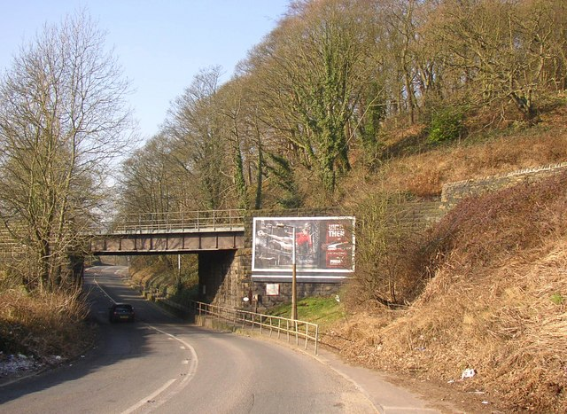 Railway bridge over the A6026, Halifax