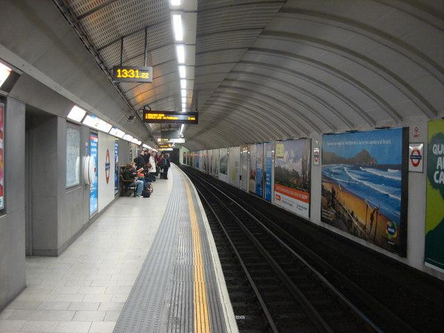 King's Cross St. Pancras tube, westbound subsurface platform