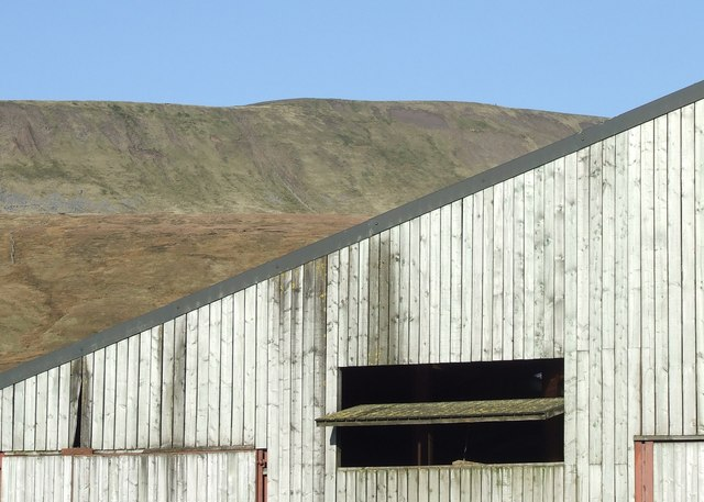 Whernside above a Barn at Gunnerfleet Farm