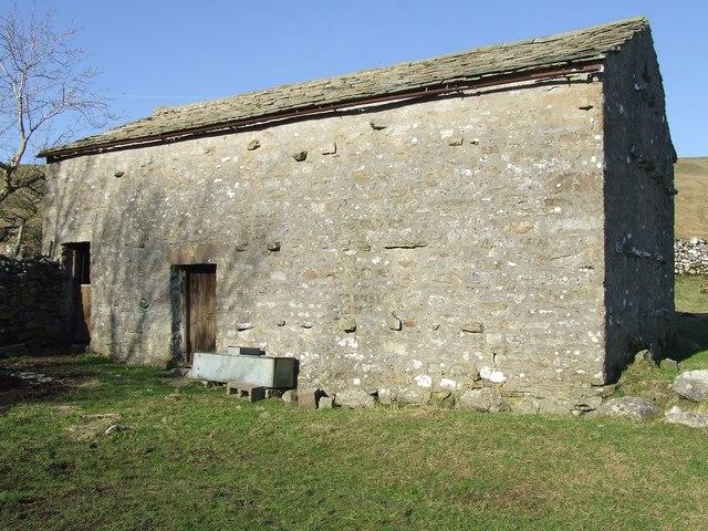 Lone stone barn near Bruntscar
