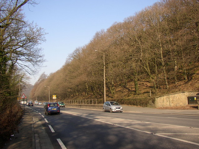 The A629 approaching Salterhebble, Halifax