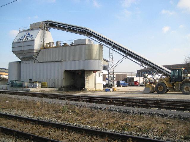 Watford: London Concrete batching plant