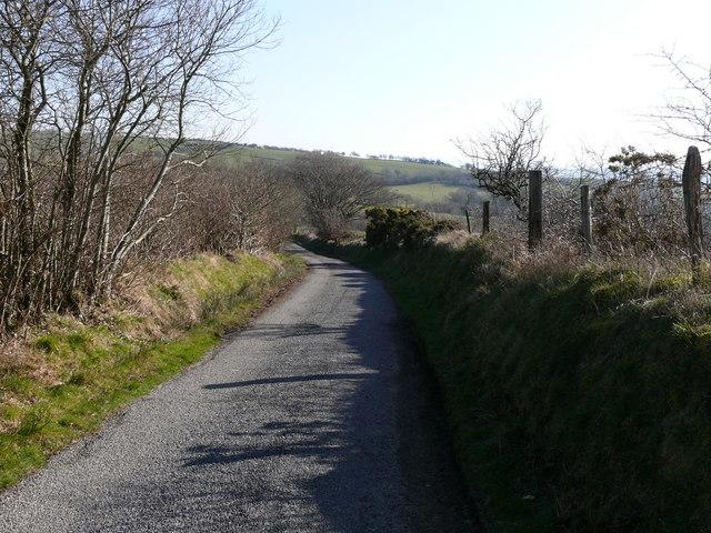 Lon wledig ger Trefilan / Country lane near Trefilan