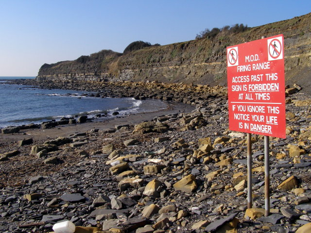 Warning sign on the beach, Charnel