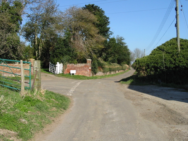Road junction at Lower Rowling Farm