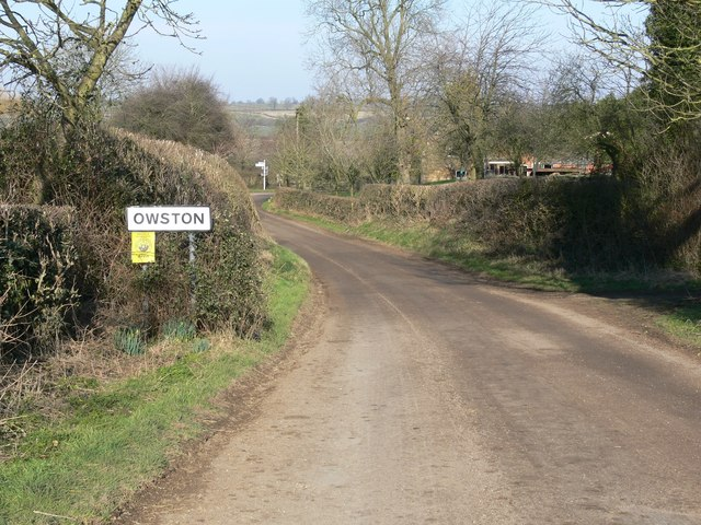 Whatborough Road towards Owston