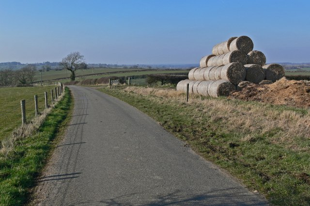 Narrow lane east of Marefield, Leicestershire