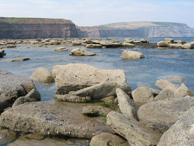 Low tide near Staithes