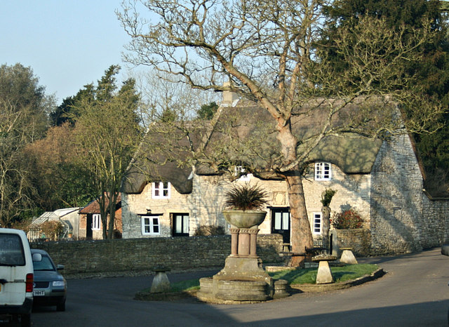 2008 : Thatched Cottage at Newton St. Loe