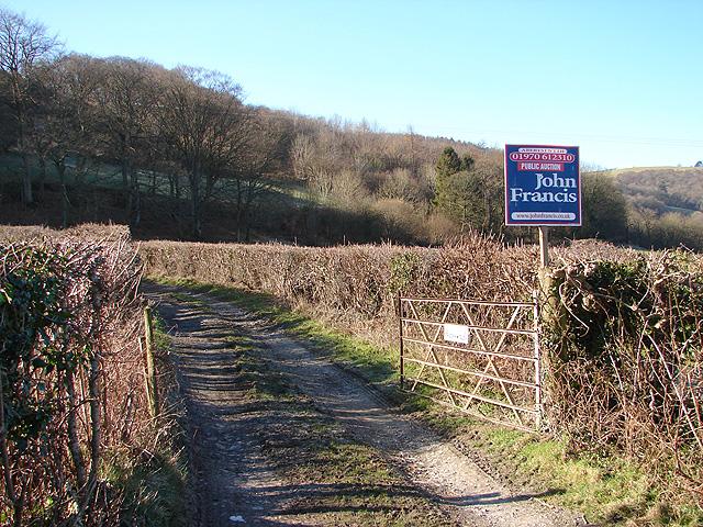Farm Track to Troed-rhiw-felen