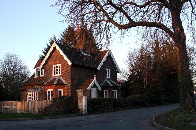 The Lodge, Shootersway