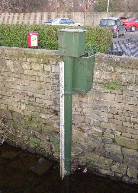 River depth gauge, Otley