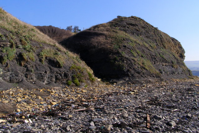 Cliffs at the western end of Kimmeridge Bay
