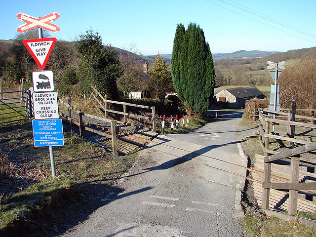 Nantyronen Level Crossing