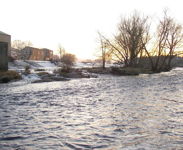 The weir from downstream, Otley