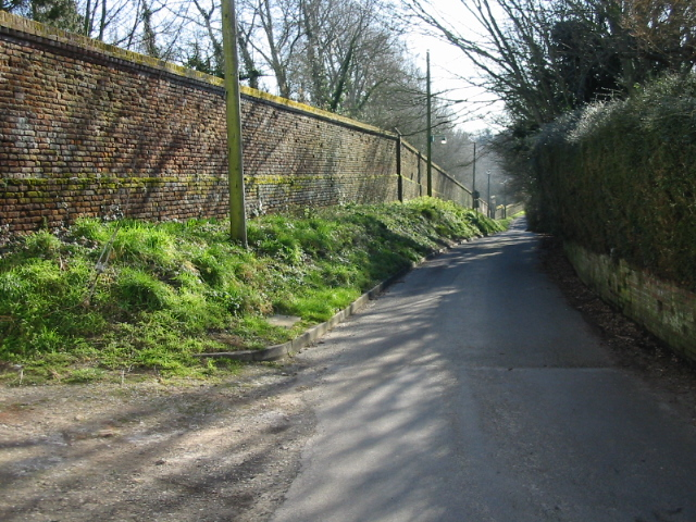 The wall to the gardens of Northbourne Court